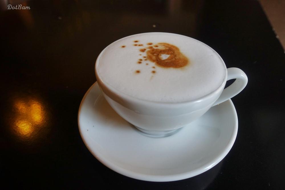 板橋新埔站咖啡廳|Mellow Coffee自家烘焙咖啡館,推薦順口好喝斑點卡布