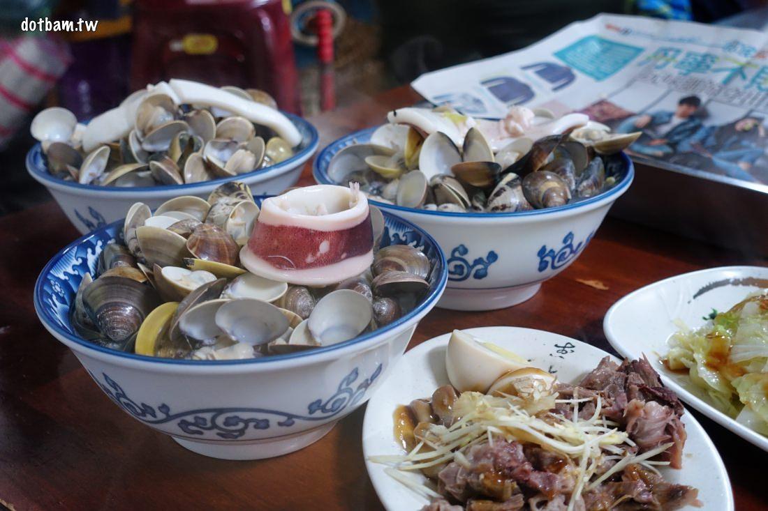 桃園內壢必吃台灣美食|好滋味麵館,招牌海鮮麵,蛤蜊殼用臉盆裝!