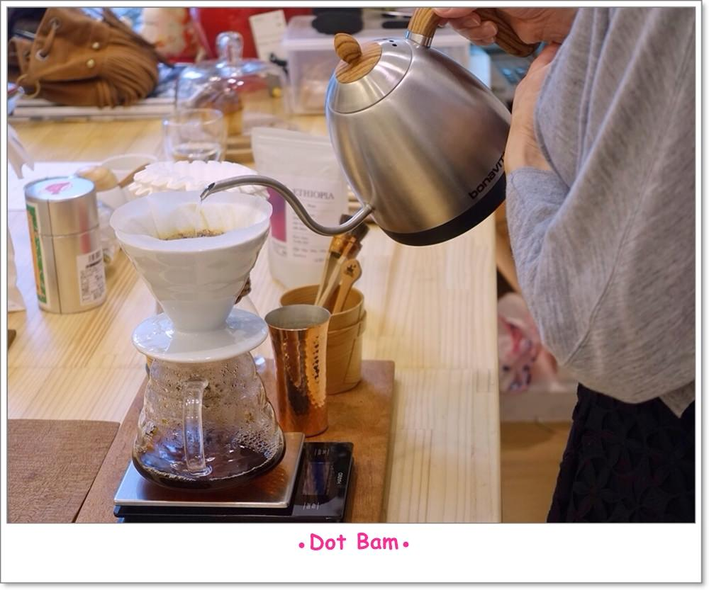 Moli衣裝●咖啡●日常 手沖 3.JPG