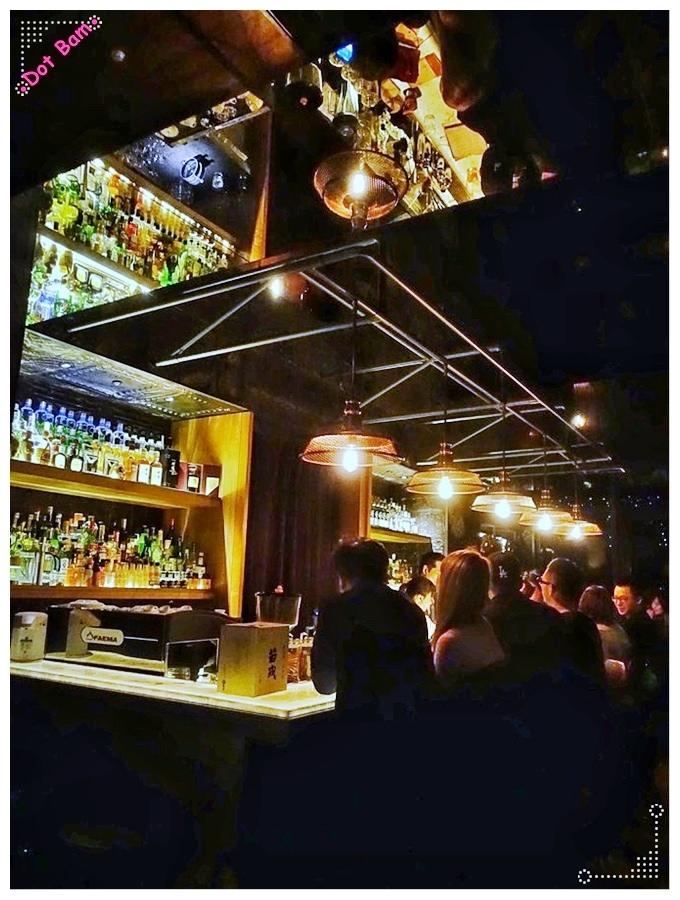 【EAST END ⋈台北大安區 捷運忠孝復興】來杯冠軍調酒吧!搭配創意料理的時尚飲酒選擇。