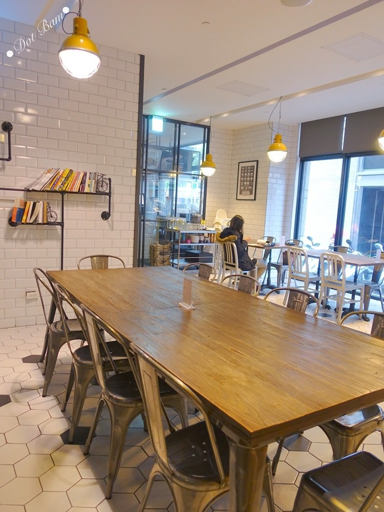 【雀客咖啡】工業風潮流旅店結合咖啡廳,簡約設計及良好採光的用餐空間,中山區美食,捷運行天宮站 8.jpg