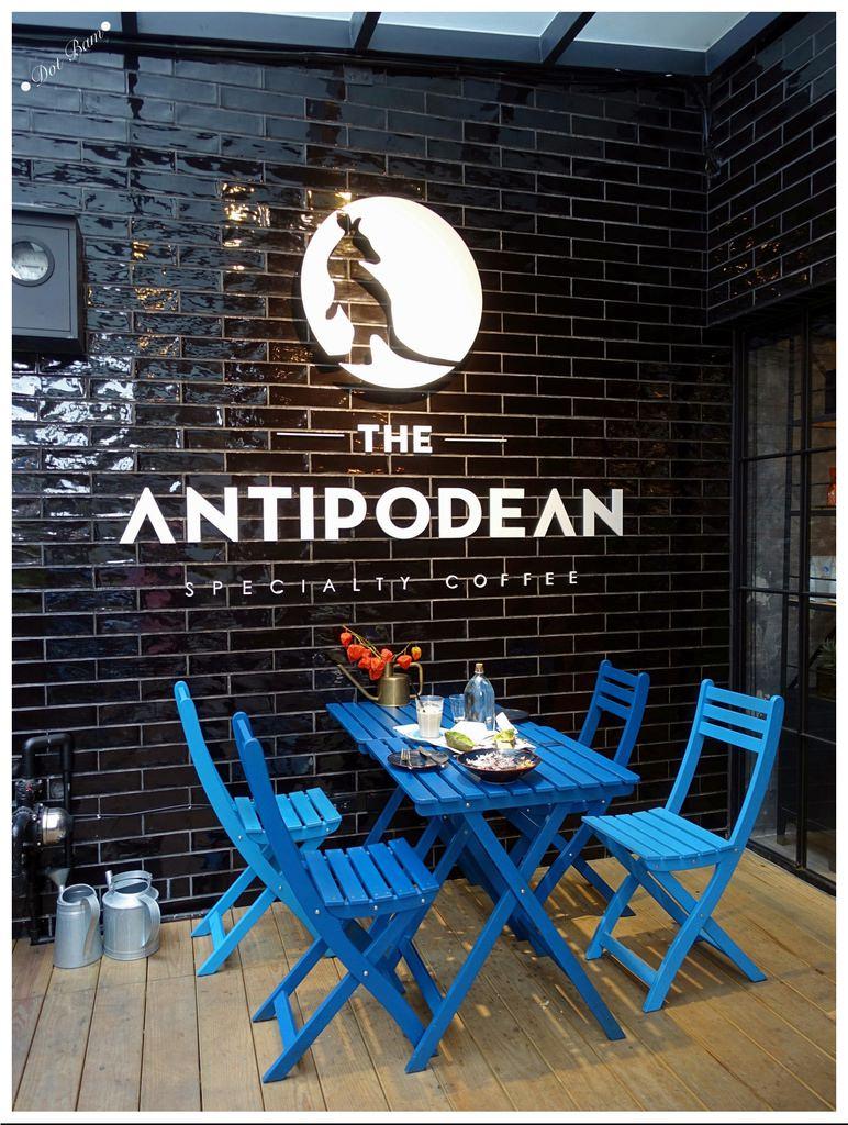 台北內湖早午餐|The Antipodean ,白藍相間澳洲風格不限時咖啡廳,捷運港墘站