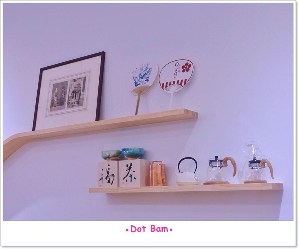 Moli衣裝●咖啡●日常 店內 19.JPG