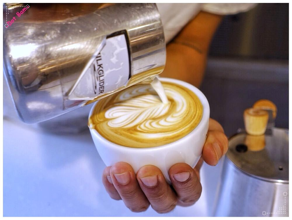 【Milkglider牛奶滑翔機 ⋈ 台北松山區 捷運中山國中站】二訪依舊迷人的拿鐵拉花,少女系彩紅千層回味無窮不限時咖啡廳 9.JPG