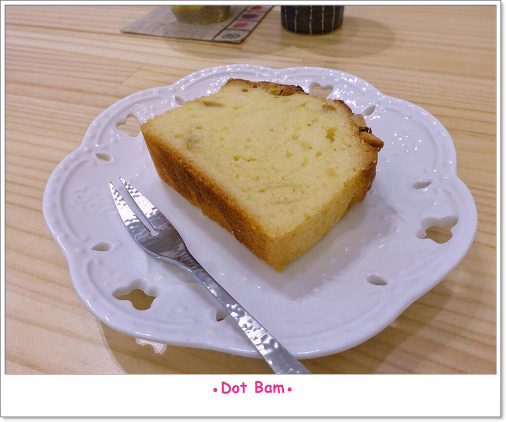 Moli衣裝●咖啡●日常 杏仁柚香磅蛋糕 2.JPG