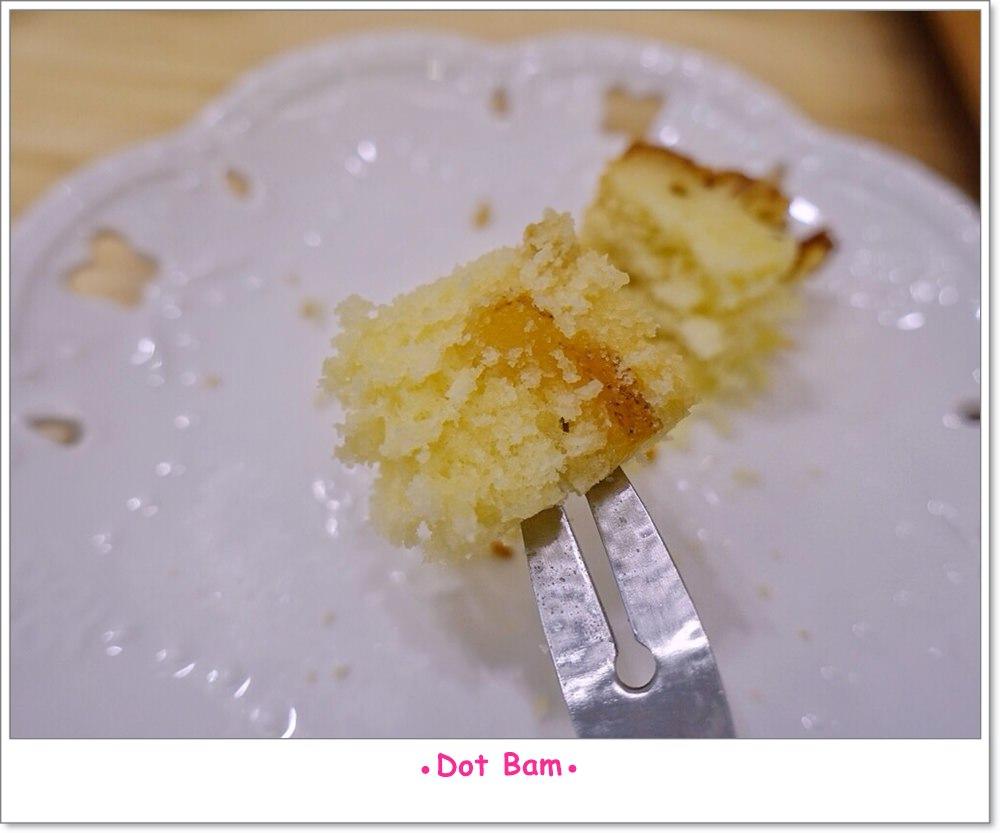 Moli衣裝●咖啡●日常 杏仁柚香磅蛋糕 4.JPG