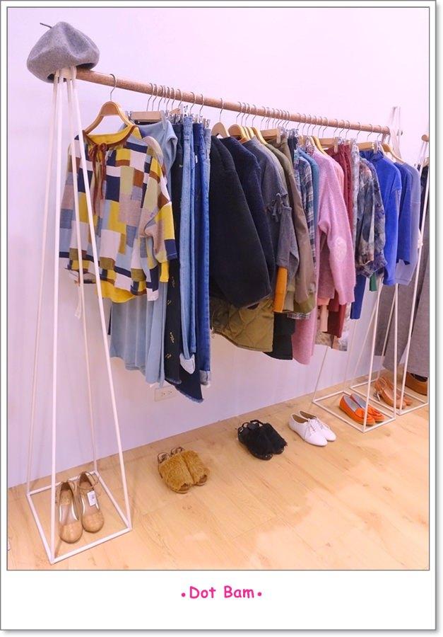 Moli衣裝●咖啡●日常 店內 3.JPG