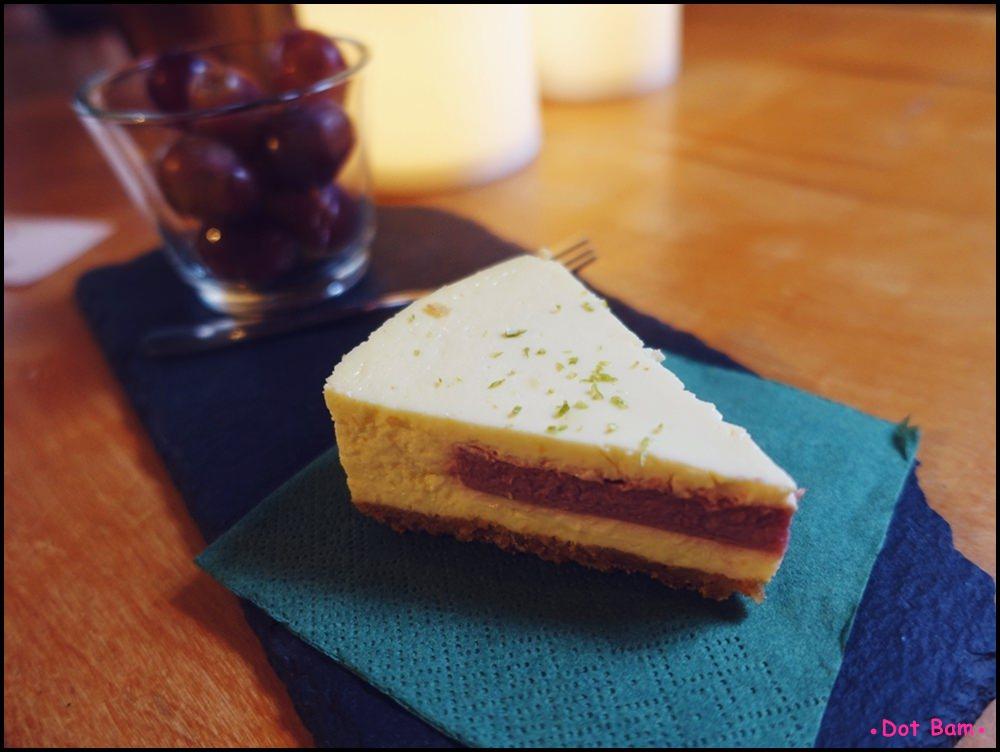 Congrats Café 覆盆莓起司蛋糕 3.JPG