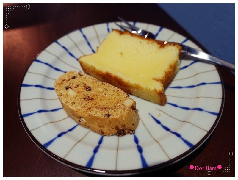 52HZ COFFEE BAR 檸檬蛋糕 義式脆餅.JPG
