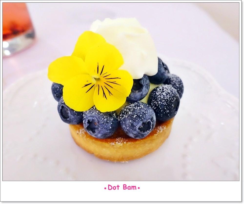 雨菓西餐 花季藍莓塔.JPG