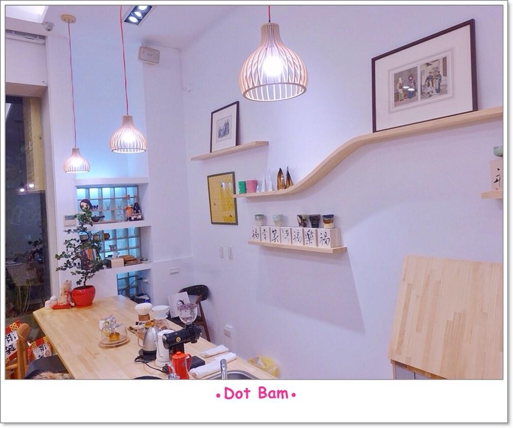 Moli衣裝●咖啡●日常 店內 17.JPG