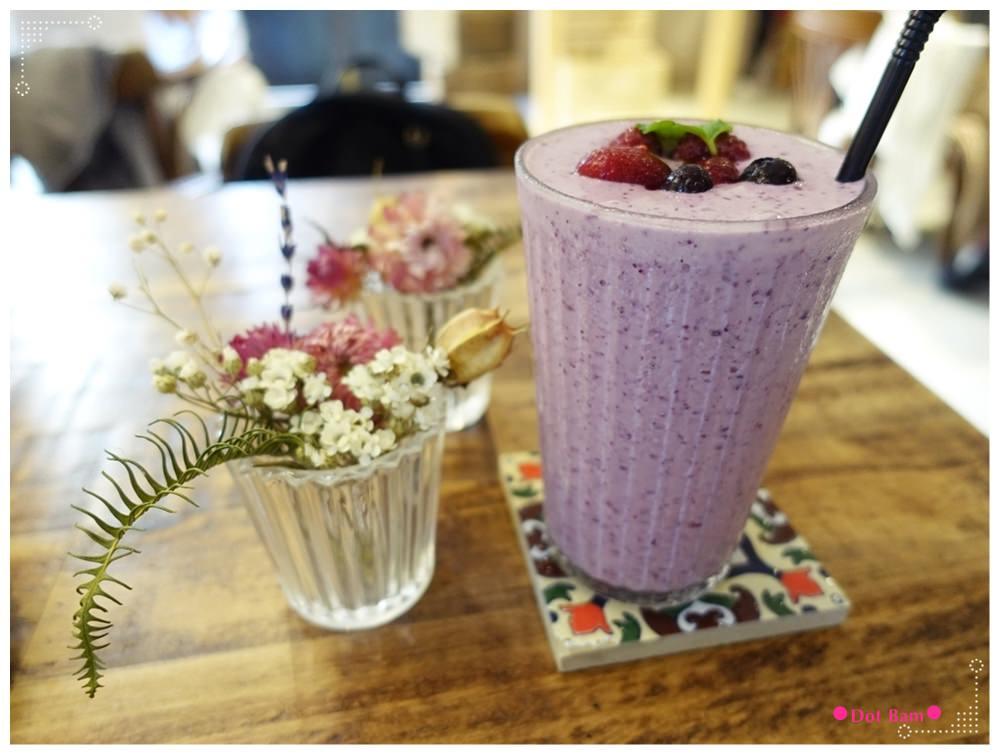 黑鳶 莓果蜂蜜奶昔 1.JPG