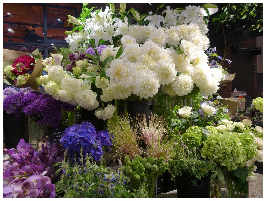 6108aoyamaflowermarket_dotbam.jpg