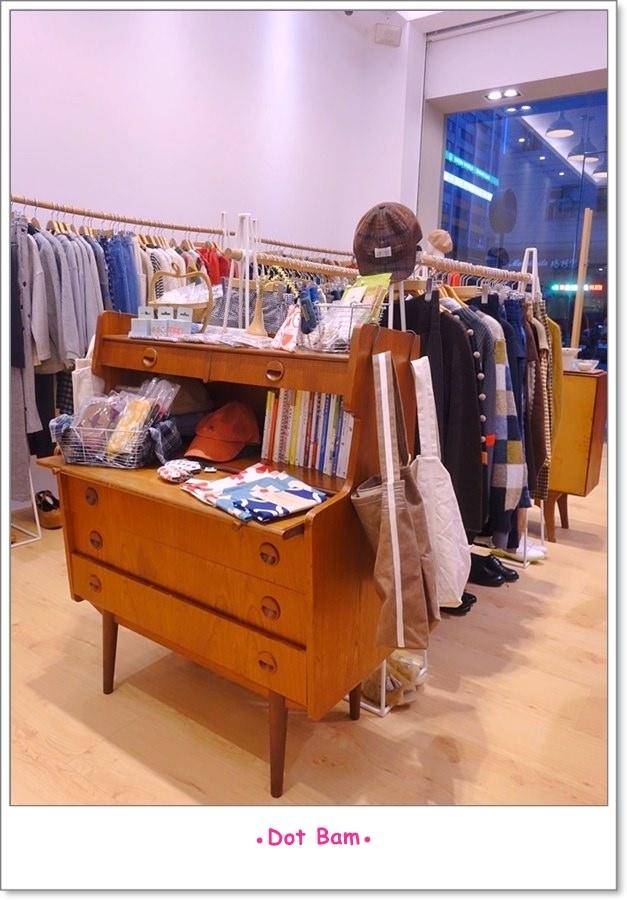 Moli衣裝●咖啡●日常 店內 8.JPG
