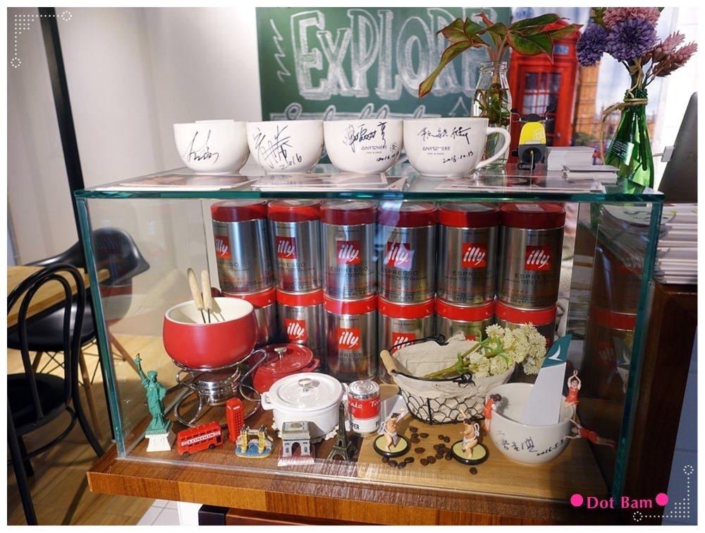 Anywhere Cafe %26; Travel 店內 6.JPG