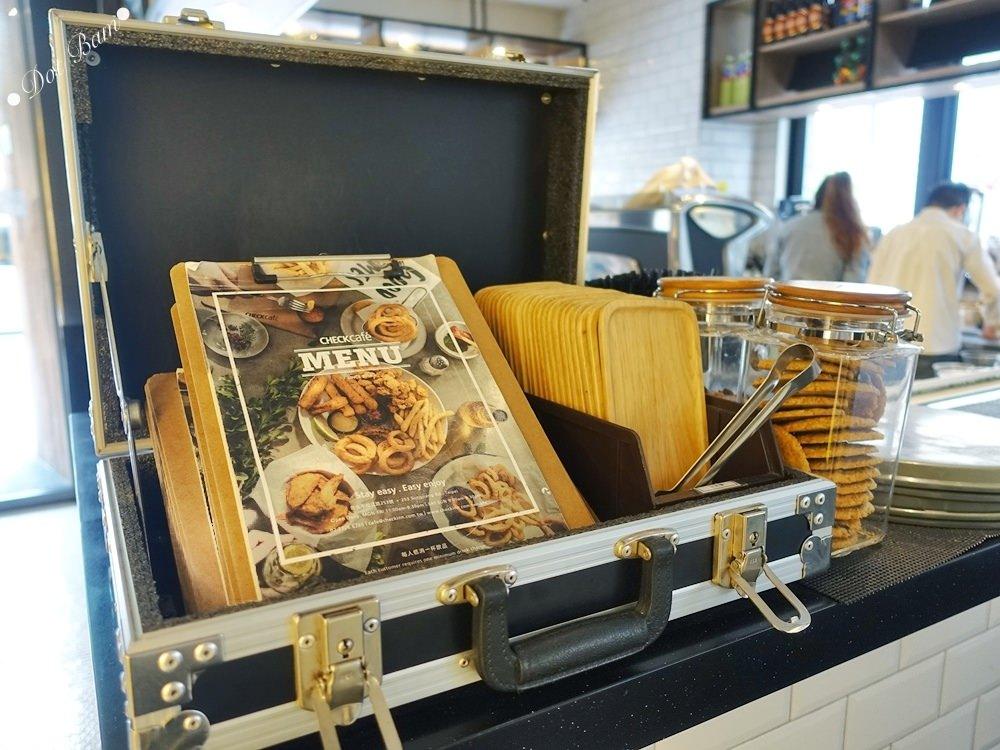 【雀客咖啡】工業風潮流旅店結合咖啡廳,簡約設計及良好採光的用餐空間,中山區美食,捷運行天宮站 3.jpg