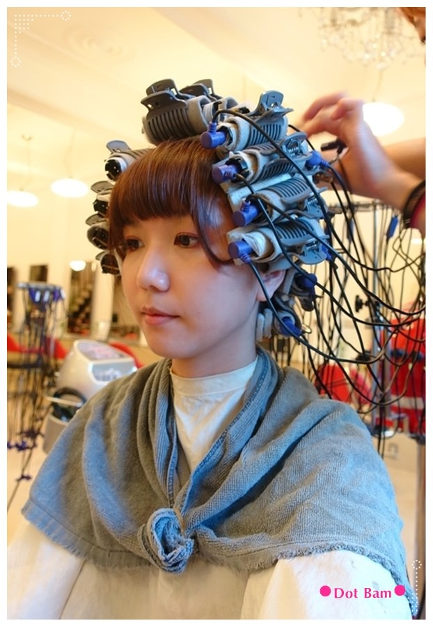 Pro cutti髮藝沙龍 燙捲過程 1.JPG