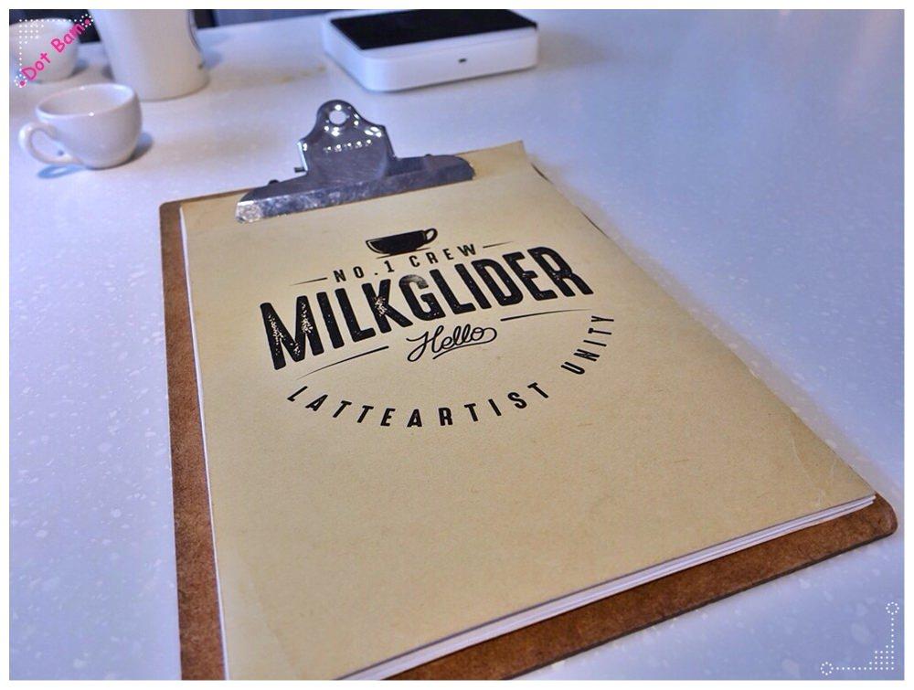 【Milkglider牛奶滑翔機 ⋈ 台北松山區 捷運中山國中站】二訪依舊迷人的拿鐵拉花,少女系彩紅千層回味無窮不限時咖啡廳 MENU.JPG