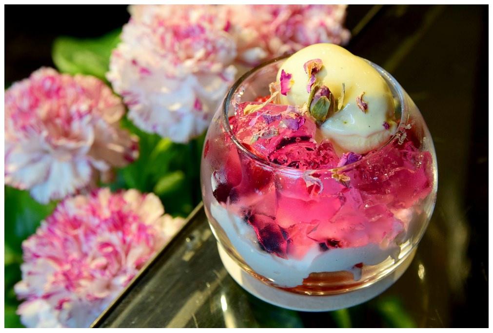 東京,表參道|花控必去!隱身花店最美咖啡廳Aoyama Flower Market Tea House南青山本店,享受被花療癒的午後時光吧!