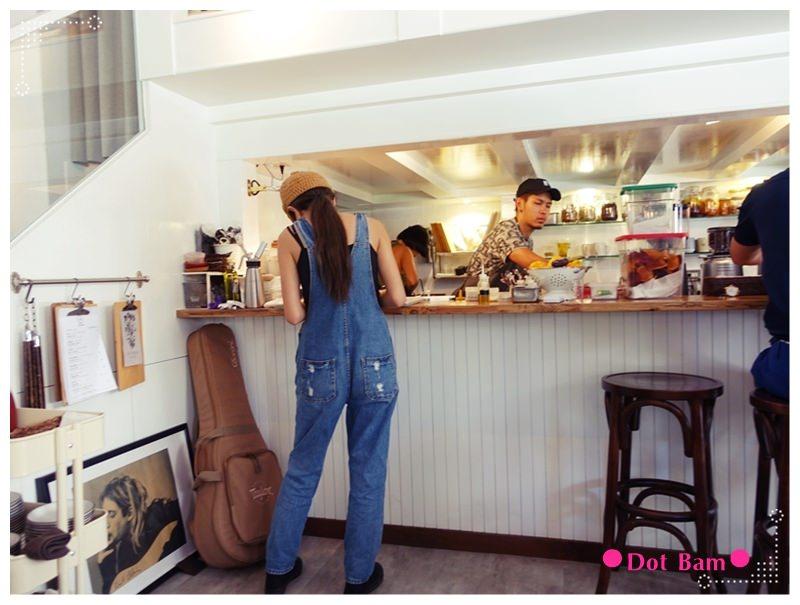 桔梗 開放式廚房.JPG